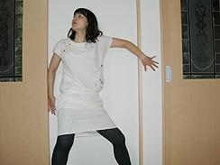 白色ワンピ